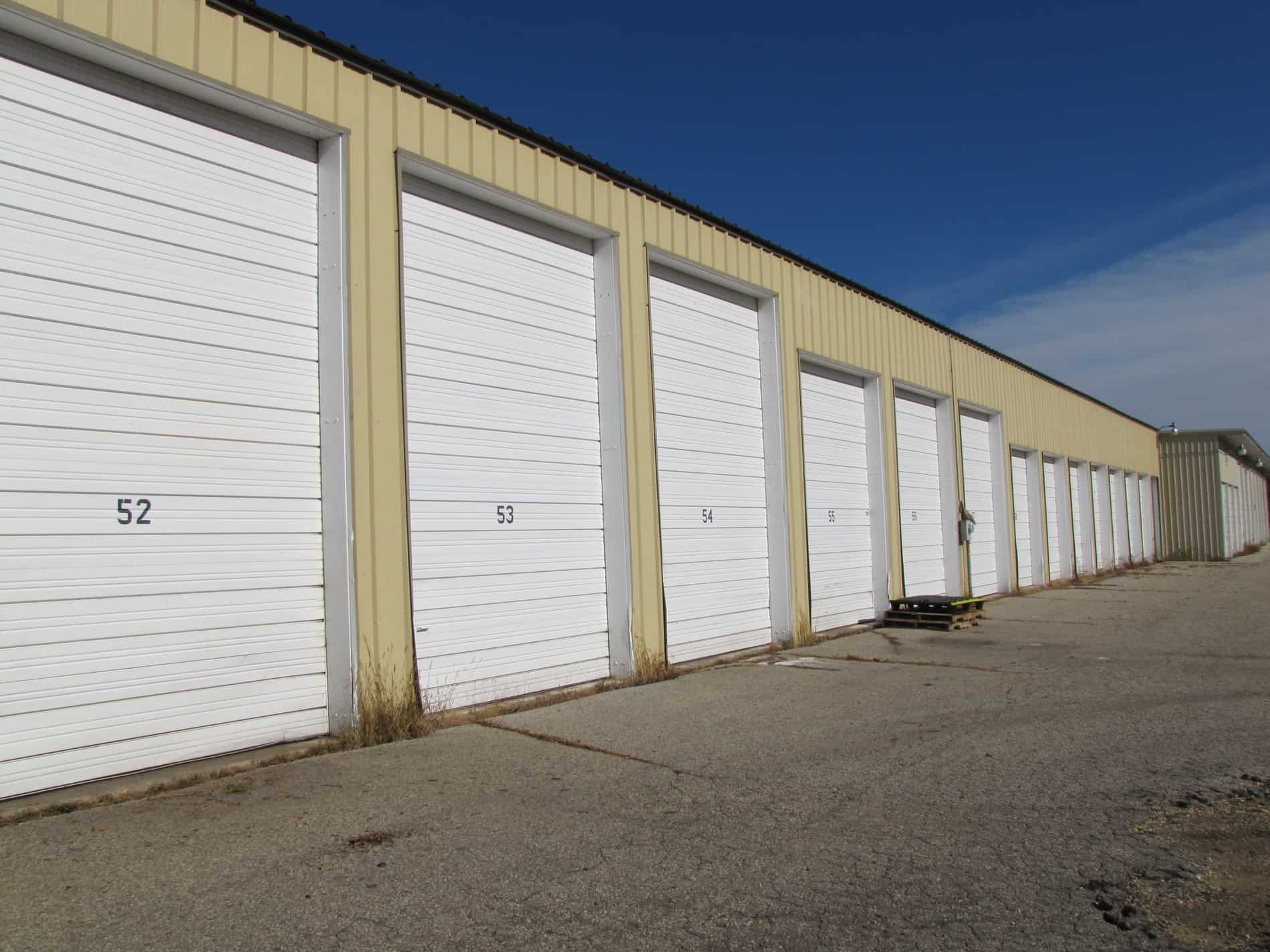 Incroyable Oversized Units With Extra Large Doors Are Available At This Site, Which  Are Ideal For RV/Boat Storage.
